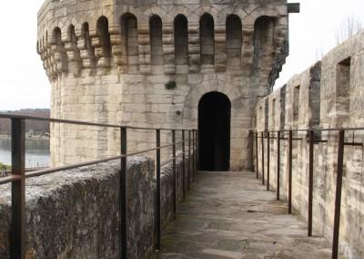 Garde-corps acier minimaliste pour monument historique