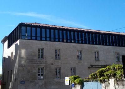 Attique avec fenêtres aluminium à coulissant caché
