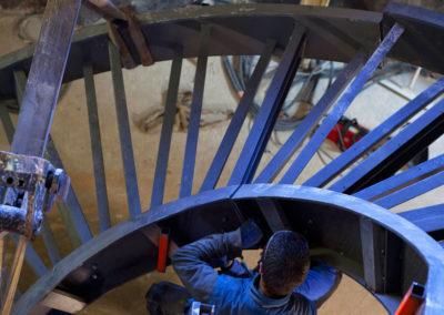 Fabrication d'escalier tournant en acier à l'atelier de MASFER