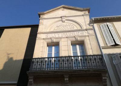 Garde-corps de balcon en acier ouvragé restauré