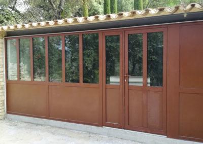 Porte vitrée et fenêtres en acier isolantes